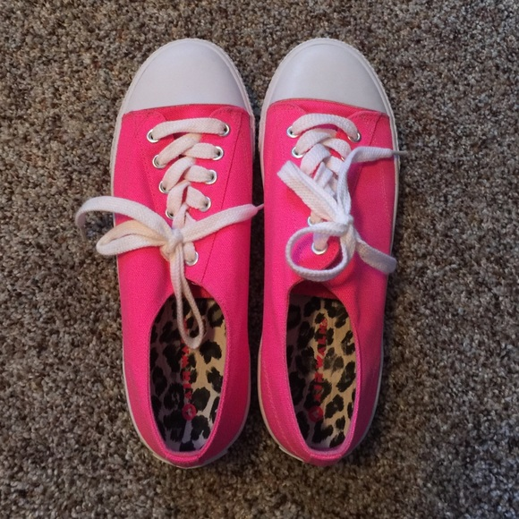 Converse Shoes - 🌻 Airwalk Hot Pink Sneakers🌻 81233b452