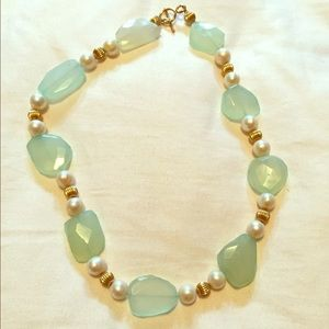 Green Stone & Pearl beaded necklace
