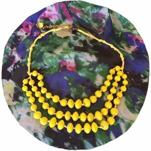Xhilaration Jewelry - 🎀Yellow Glass Beaded Necklace🎀