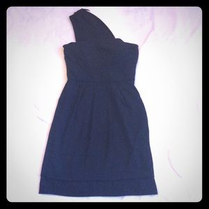Max & Cleo Dresses & Skirts - Black one shoulder dress with pockets