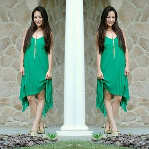 Dresses & Skirts - Pleated assymetrical green dress