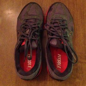 Nike Shoes - Used Nike Pegasus 27 GTX Trail Shoes