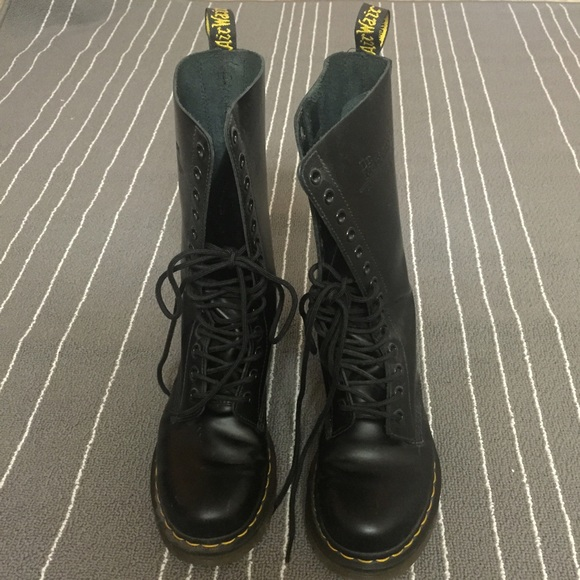Dr. Martens Shoes - 1914 Doc Martens
