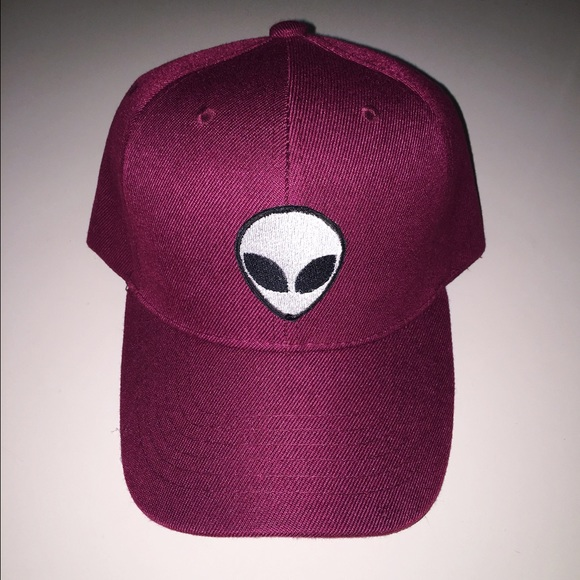 Accessories - Maroon alien baseball cap 5ca7bfc88cb
