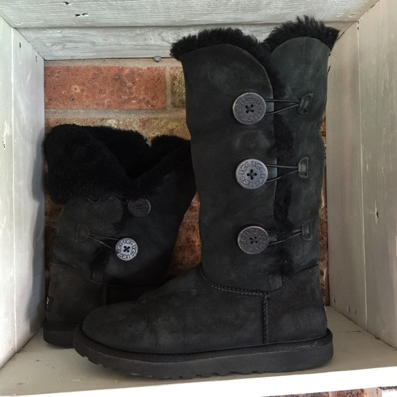 897385397d0 Ugg Bailey button triplet boots in black