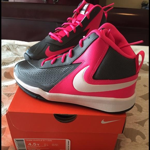 Girls Nike Team Hustle D 7  be0bc96cdcc55