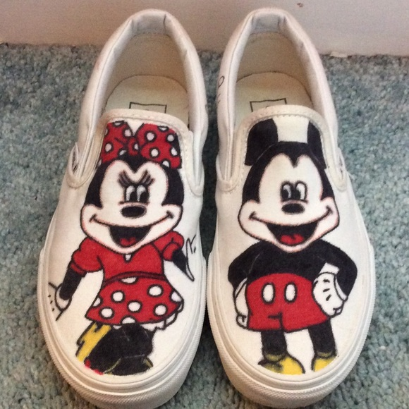 0554c882a83 Mickey and Minnie Mouse vans. M 55c8efbbf9a2ca5e220131f9