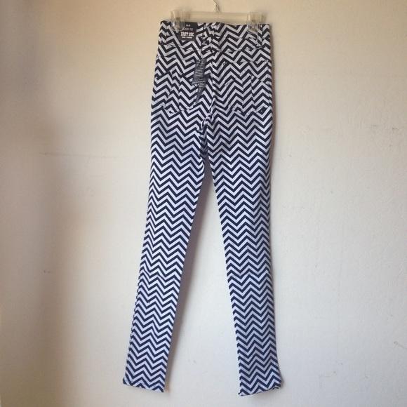 60% off Tripp nyc Pants - NWT Tripp high waisted chevron stripe ...