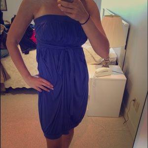 Dresses & Skirts - Sleeveless Blue dress with tie