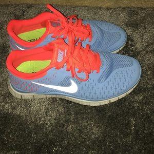 Nike Shoes - women's Nike running shoes size 6.5