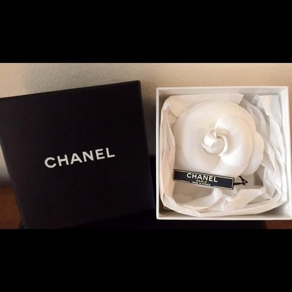 Chanel accessories nib authentic white camellia flower brooch nib authentic chanel white camellia flower brooch mightylinksfo