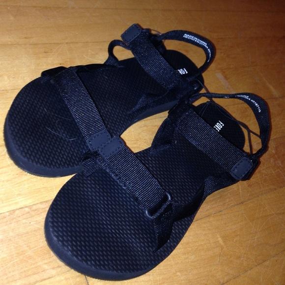 6b86afee69a4 Black Chaco like shoes. M 55c97291cadd6a7425017e12
