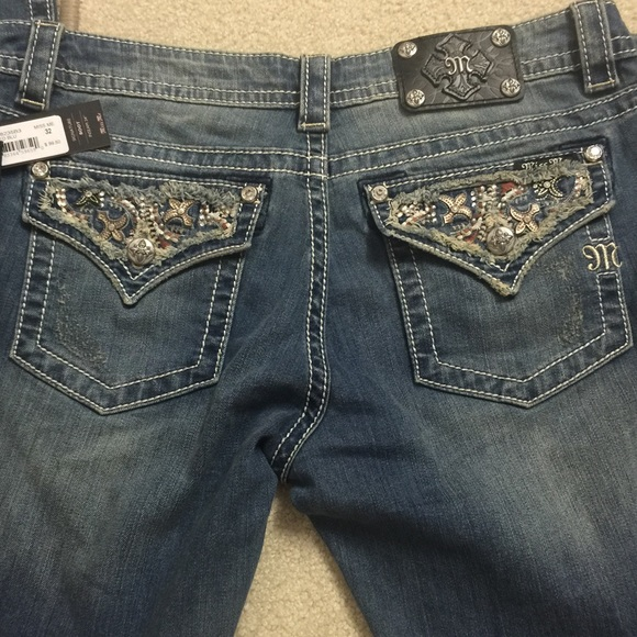 b27237b17e1 Miss Me Signature Bootcut Jeans   Size 32