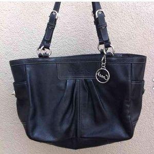 Coach shoulder bag black