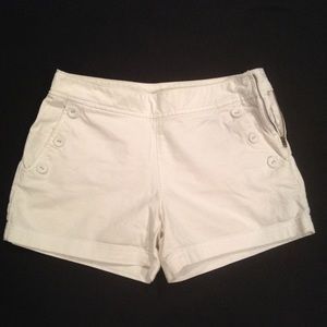 🚫Sold!🚫High waisted white shorts