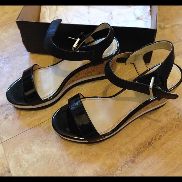33 liz claiborne shoes liz claiborne classic wedge