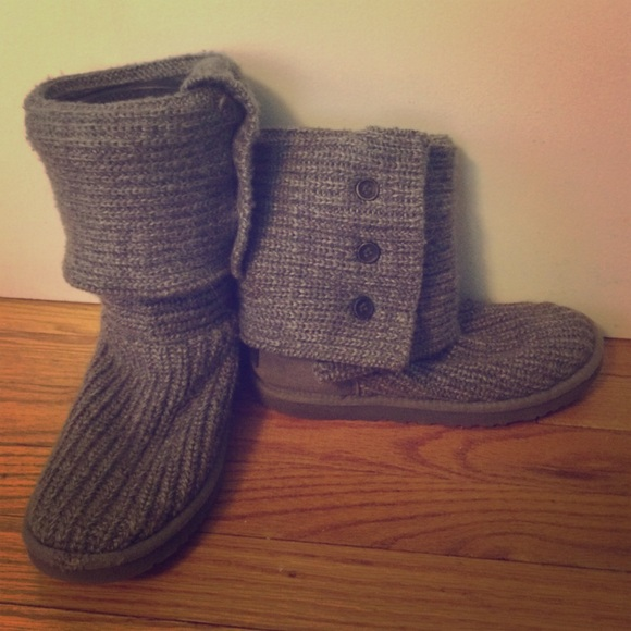 Grey knit fold over uggs size 7
