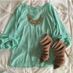 SOLD in bundle! Mint Bow top!