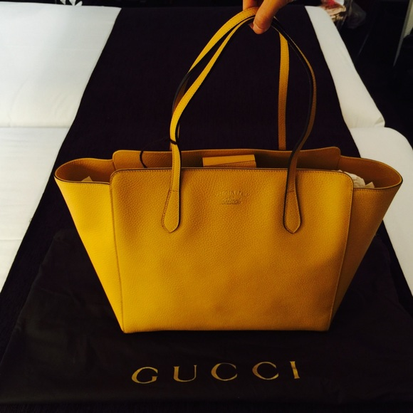 b27e238c420 Gucci- swing medium tote bag sunrise yellow - NWT