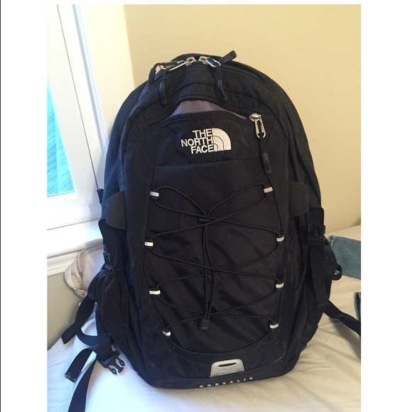 5a6898052 North face Black Borealis Backpack