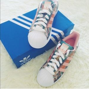 adidas superstar floral coral
