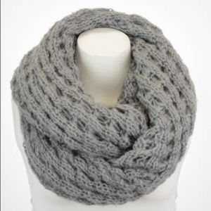 That glam girl boutique Accessories - Infinity scarf {{Mint or Gray}}