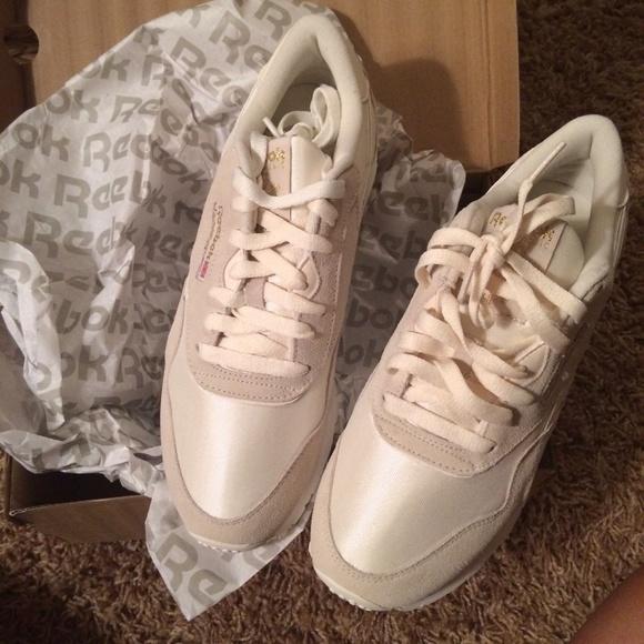 Reebok X UO Classic Nylon Running Sneaker f14891d72