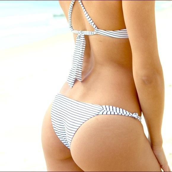 eb3b96fa84 NWT Frankie s Bikinis Malibu bottom in Hamptons