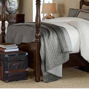Pottery barn silk Chanel two toned quilt