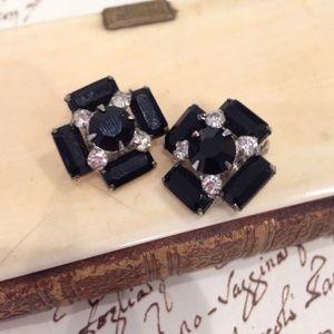 Jewelry - Vintage Rhinestone Earrings Clip On