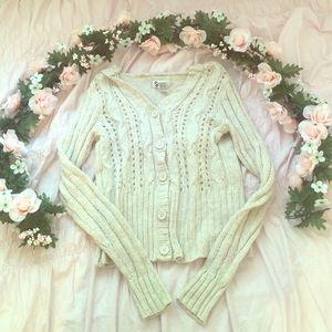 White rose sweater🥀