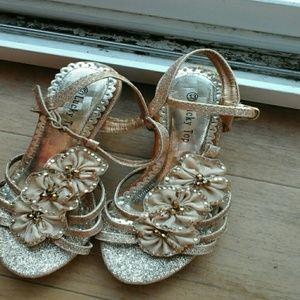 Kids  gold heel