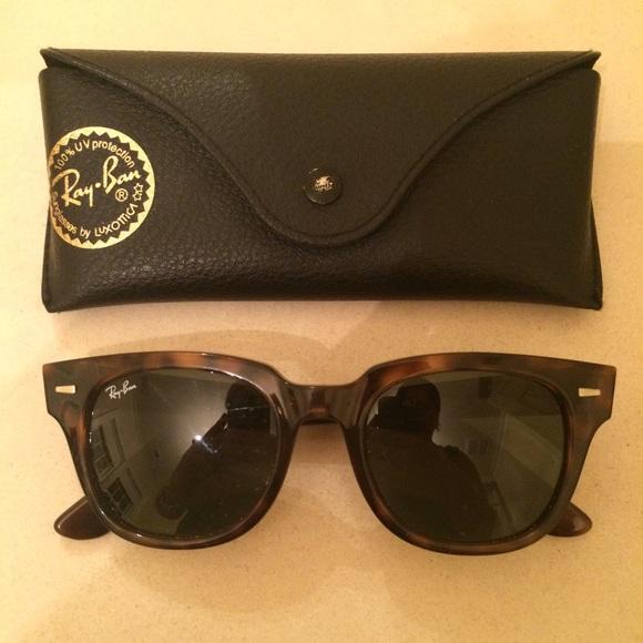 9d17404b6f Authentic Ray Ban Sunglasses Tortoise Shell. M 55cbedbd8fe421702b0006cf