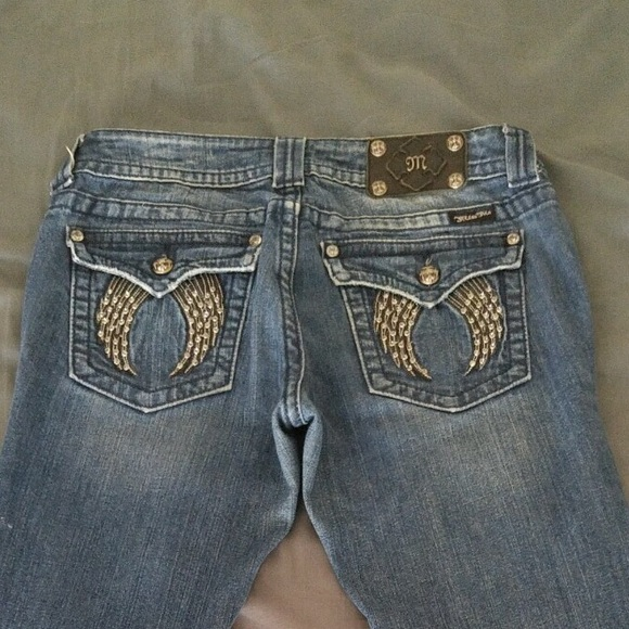 Sits at or above the belly button. Think mom jeans the cool ones.