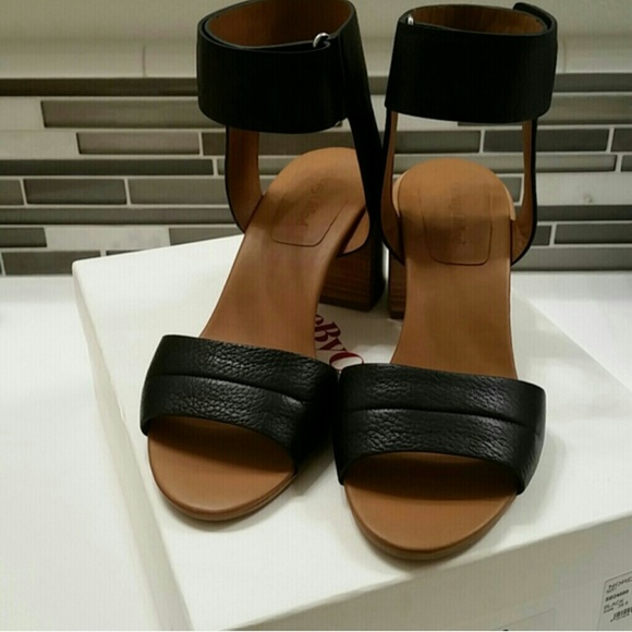 287e1c3f4bf2 Brand new! Authentic See By Chloe block heels
