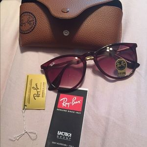 "Ray Bans ""Erika"""