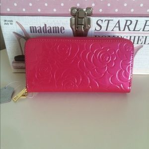 Fuchsia patent leather double zipper wallet