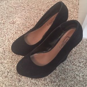 Candie's Shoes - Candie's black platform wedge