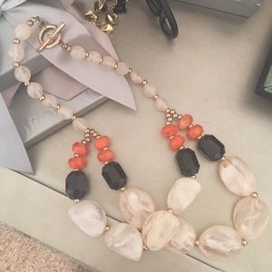 Forever 21 Accessories - Beautiful beaded necklace