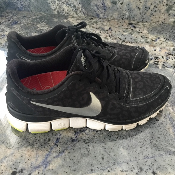 outlet store 51084 5c463 Nike Shoes - Nike free 5.0 black leopard print sz 9.5