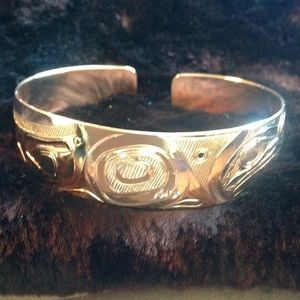 GOLD NATIVE HAND CARVED BANGLE