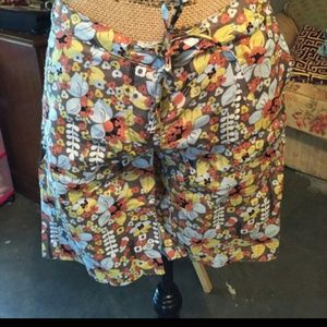 planet gold  Pants - Flowered shorts