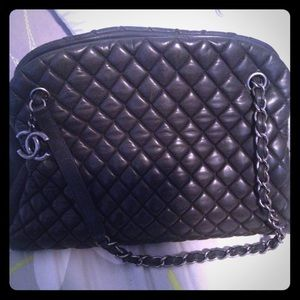 CHANEL Lambskin Bubble Quilted Shoulder Bag