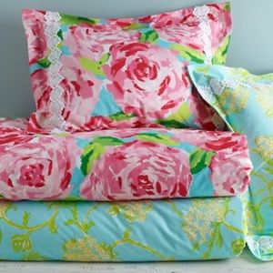 lilly pulitzer other lilly pulitzer first impression pillow sham