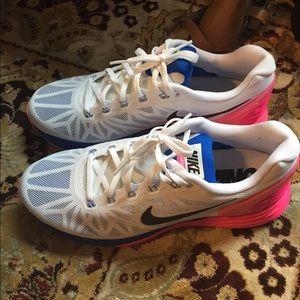 Nike Lunarglide 6 Ongles Rose Et Blanc KgW9F45T1