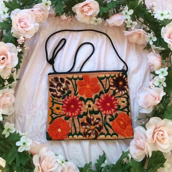 Vintage Handbags - Flower bag🌹