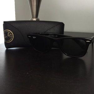 Ray-ban wayfarer black sunglasses
