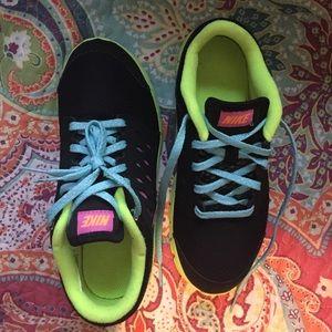 Nike Shoes - Nike Free Runs Size 2y KIDS!