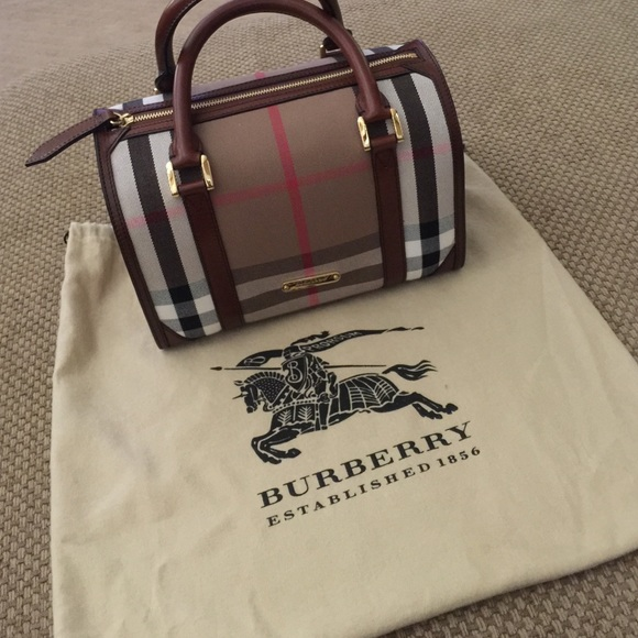 392429d0c0a Burberry Handbags - Burberry Doctor Kit
