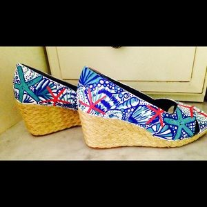 622eb966267914 Lilly Pulitzer Shoes - Custom Lilly pulitzer inspired wedges sz 7